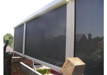 eZip Blind in Clear PVC  or Screen fabric